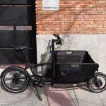 """Esta cargo Muli,lleva un motor delantero de 250 W en rueda de 16"""" y la batería en el sillín."""