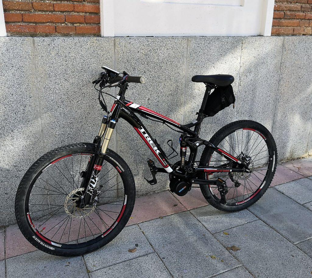 Trek fuel con un motor central Ciclotek