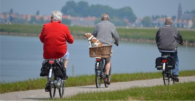 La bicicleta eléctrica es un medio de transporte apto para cualquier edad.